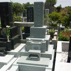 インド銀河和型墓石建墓例