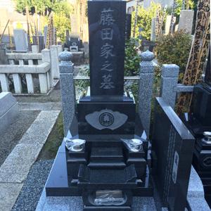 インド山崎和型墓石建立例
