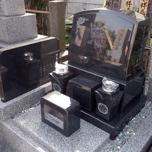 インド山崎洋型墓石建立例