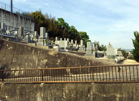 西辛川墓地5