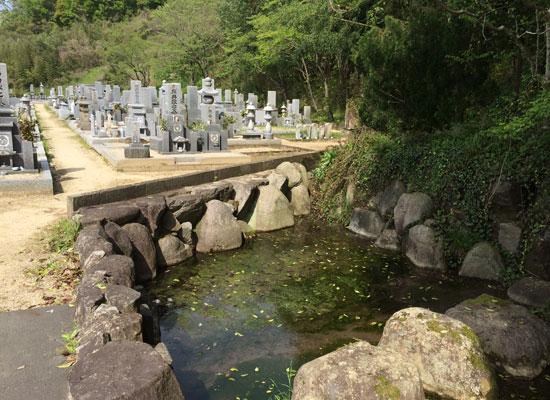 下山墓地3