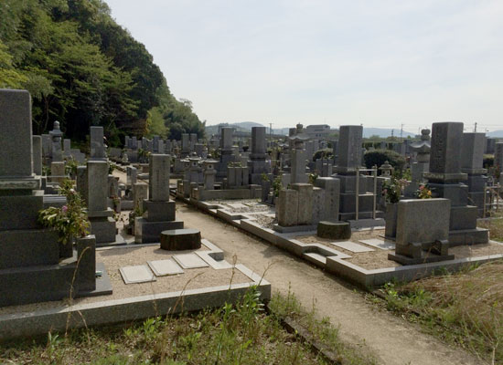 下山墓地5