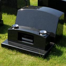 クンナム洋型墓石