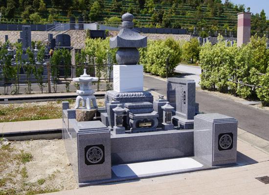 飯盛霊園墓石建立例